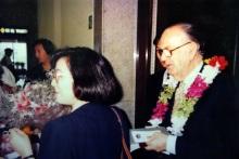 塞拉接受獻花、訪臺行程與專題演講中西文手冊