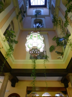 昔日詩人 Luis Rosales 的家(中庭)