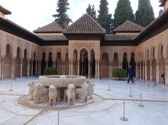 格拉那達阿蘭布拉皇宮獅子庭