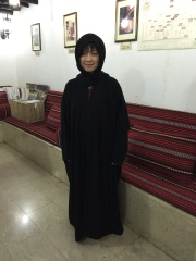 換黑袍入清真寺