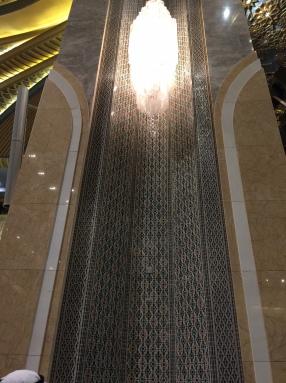 科威特大清真寺挑高的牆飾