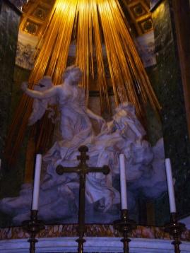 貝里尼的雕塑:大德蘭修女的狂喜(羅馬勝利聖母瑪利亞教堂),攝於 2008 年 7 月