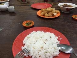 肉骨茶汁佐白米飯