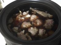 加入肉骨茶包熬汁+肉