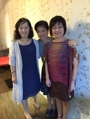 左至右:臺大幫(臺大法律、臺大圖資)、臺大外文(只能當 faculty,無能當學生)