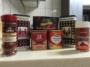 各式各樣品牌的紅椒粉