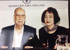 1998 年 7 月 18 日 塞拉基金會與塞拉合影