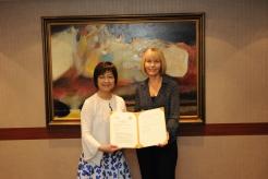 圖07:澳洲國立大學Shirley Leitch國際副校長與臺大張淑英國際長合影
