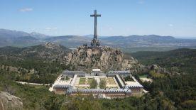 遠眺大十字架烈士谷,位於 Guadarrama 山