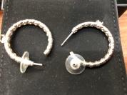 耳針夾和耳針是否鬆弛而常脫落呢