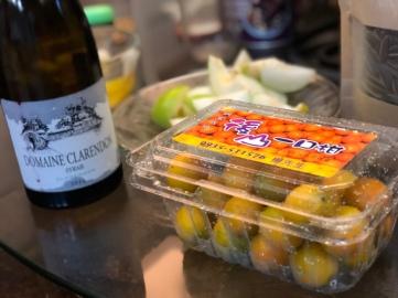 闔家歡,每天品嚐不同紅酒長知識; 學生贈送的台東楊家一口柑,帶回台南分享。