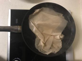 新蒸布先煮過再使用