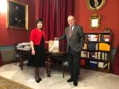 辭典贈送西班牙皇家學院典藏 (院長 Santiago Muñoz Machado)