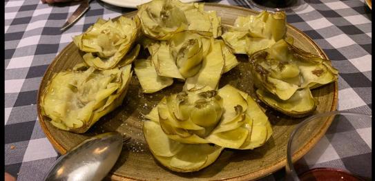 「青椒」(El Pimiento Verde)餐廳的蓮花朝鮮薊