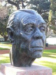 巴勒摩區玫瑰園 Rosedal 的「詩人花園」波赫士雕像
