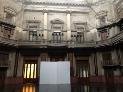 國家圖書館一樓清淨的樣貌