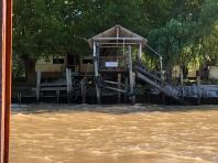 三角河灘沿途的泛舟驛站