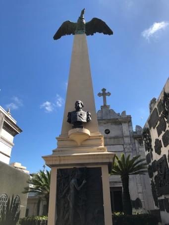 薩緬多總統墓地