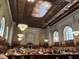 恢宏寧靜壯闊的閱覽室