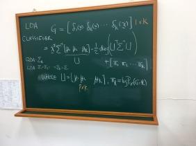 數學教授們喜歡羽衣粉筆寫方程式