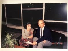 1990. 12. 19 聖誕晚宴,與書院神父談天