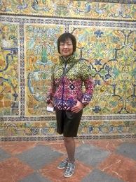 喝朝鮮薊湯之前,衣服和牆壁合為一體,拍一張。