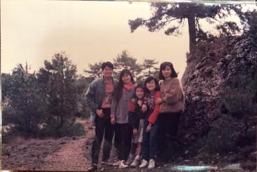 1990 鵝黃毛衣