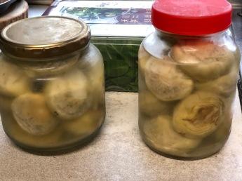 將廖總相贈的朝鮮薊自己調配,手工醃漬,供應幾餐的朝鮮薊沙拉
